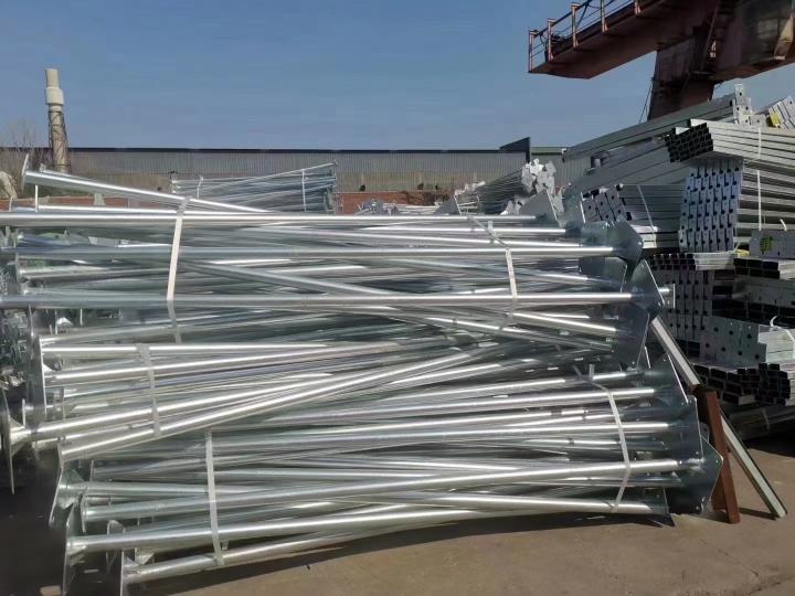 加工牧原、新希望、正邦等大型养殖企业养殖舍钢结构焊接加工。[.....