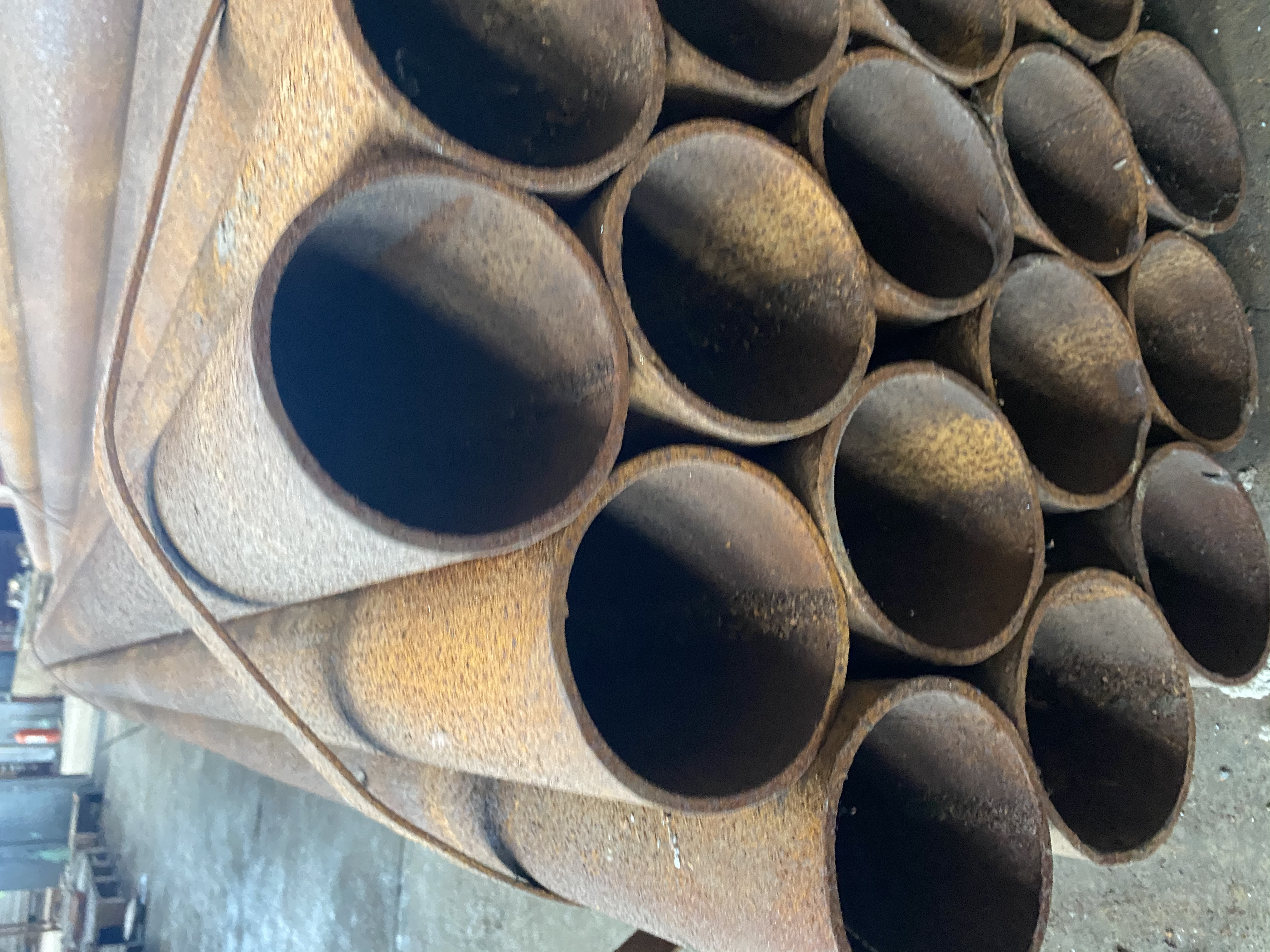 100吨库存焊管低价处理